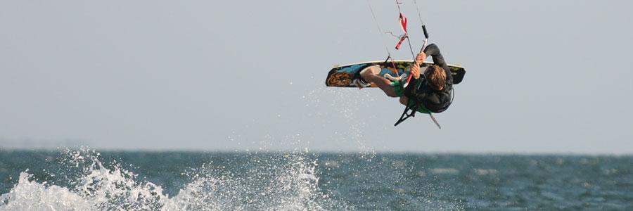kitesurf - circuits quad - plongee - baleines a bosse - tuléar - madagascar